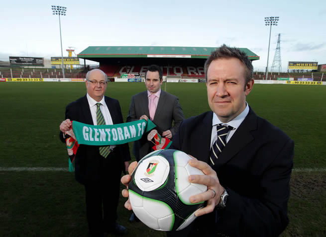 Aubry Ralph, Vice Chairman of Glentoran (left) and Russell Lever, Community Relations Officer at Glentoran (centre) welcome guest speaker Matt Parish, Community Director at Charlton Athletic (right) to the Oval